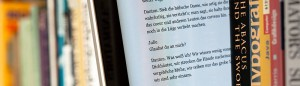 Maximilian Schönherr - EBook zwischen Büchern (Wikipedia CC 3.0)